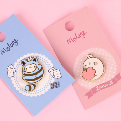 MOLANG METAL BADGE